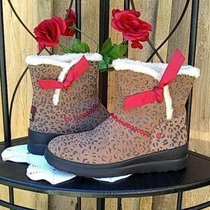 UGG Chestnut Leopard boots
